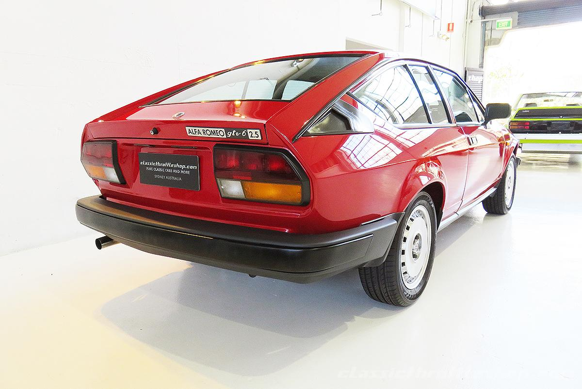 Alfa Romeo Gtv Red