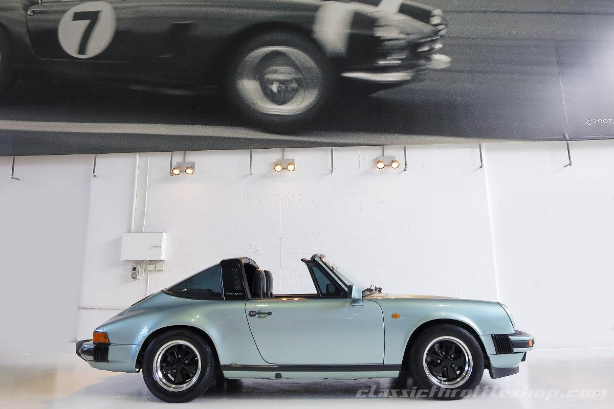 1985-Porsche-911-Carrera-Targa-Crystal-Green metallic-8