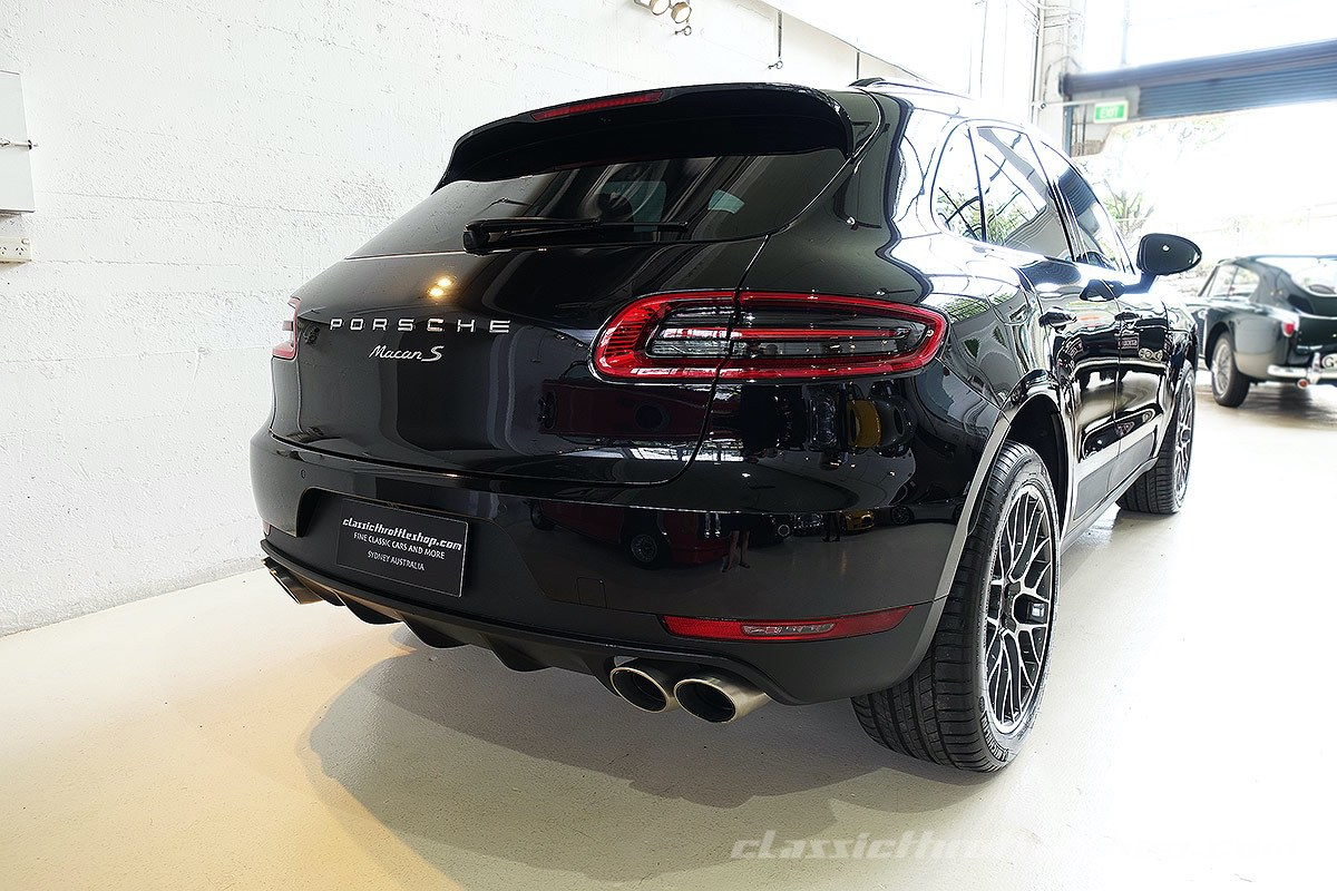 2015 porsche macan s jet black classic throttle shop. Black Bedroom Furniture Sets. Home Design Ideas