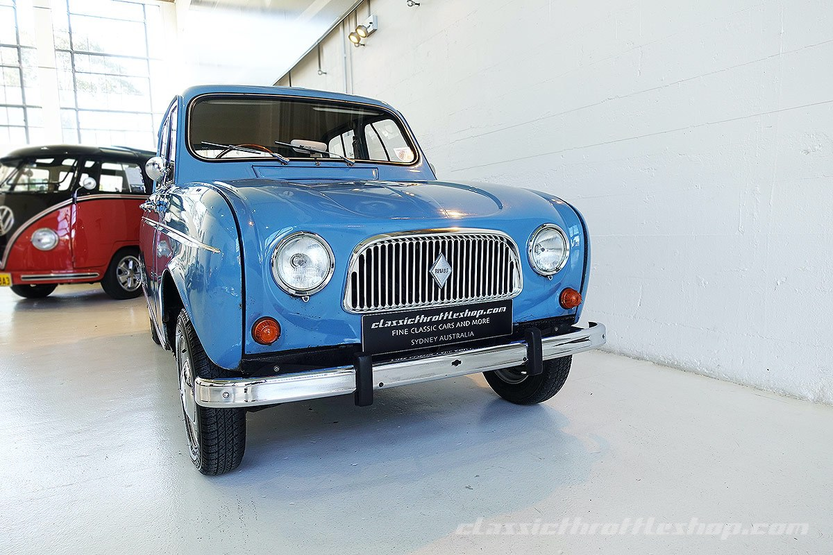 1966-Renault-4-Light-Bleu-Moyen-1