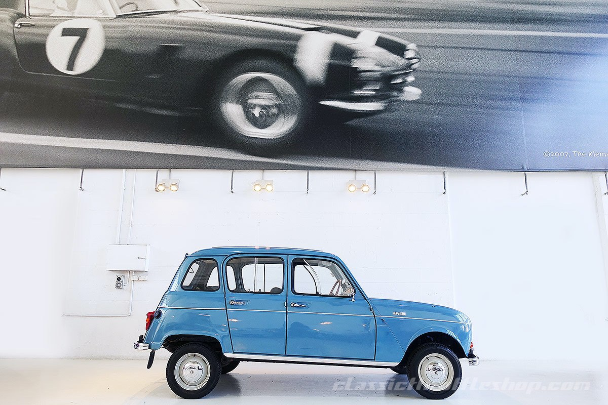 1966-Renault-4-Light-Bleu-Moyen-7