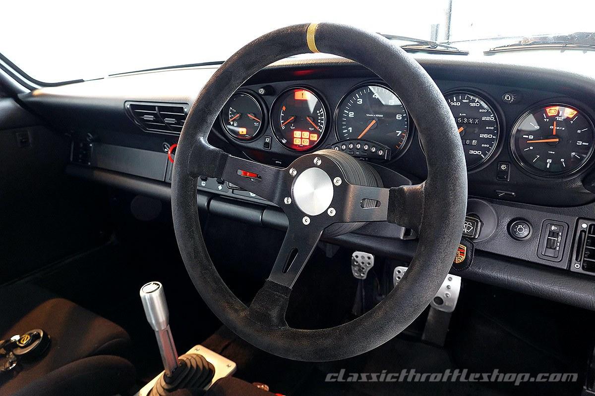 1990-Porsche-911-964-Carrera-2-Grandprix-White-35